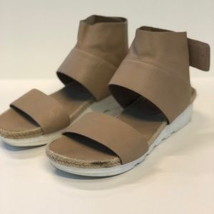 [Eileen Fisher] Glad Espadrille Sandals
